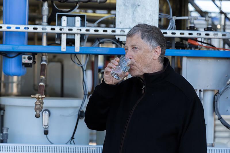 Omni Processor es una planta apoyada por Bill Gates que trata aguas residuales para convertirlas en agua potable y energía eléctrica.