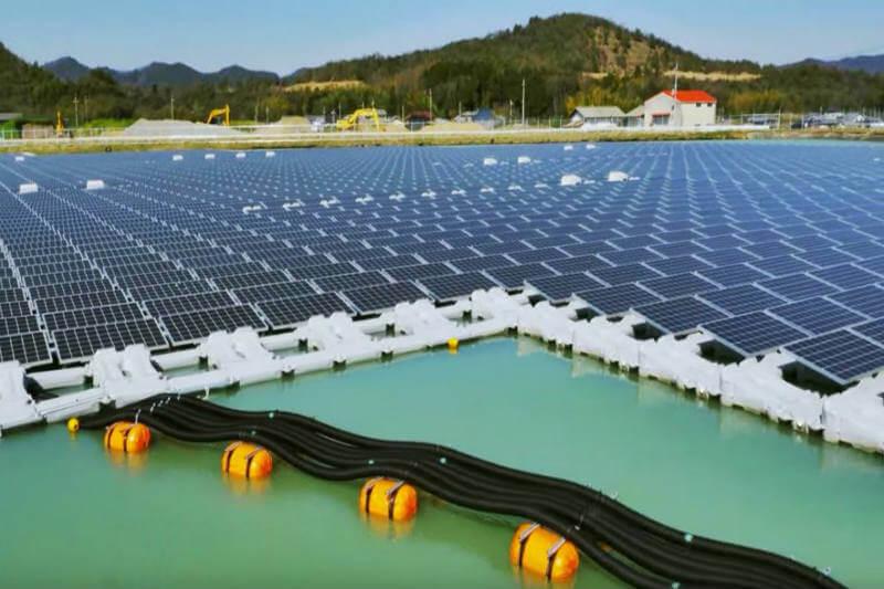 Plantas solares flotantes Japón