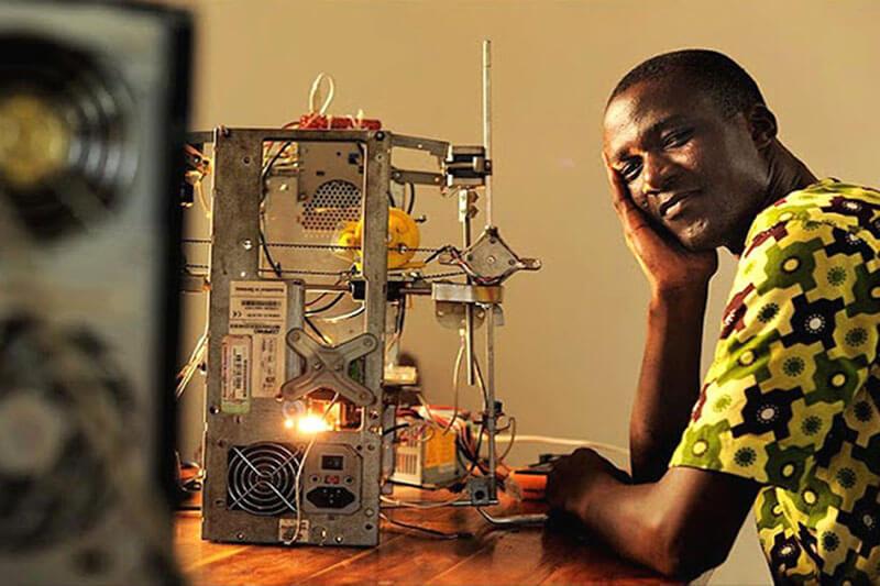 Gnikou Impresora 3D reciclada