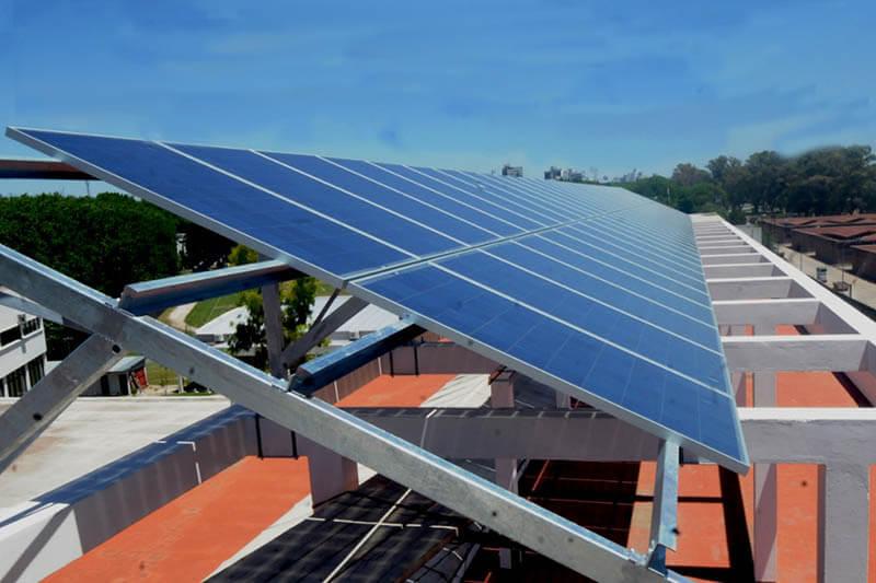 Paneles solares Universidad de Argentina