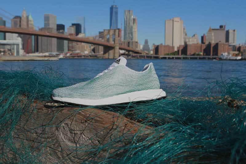 Zapato Adidas Plástico
