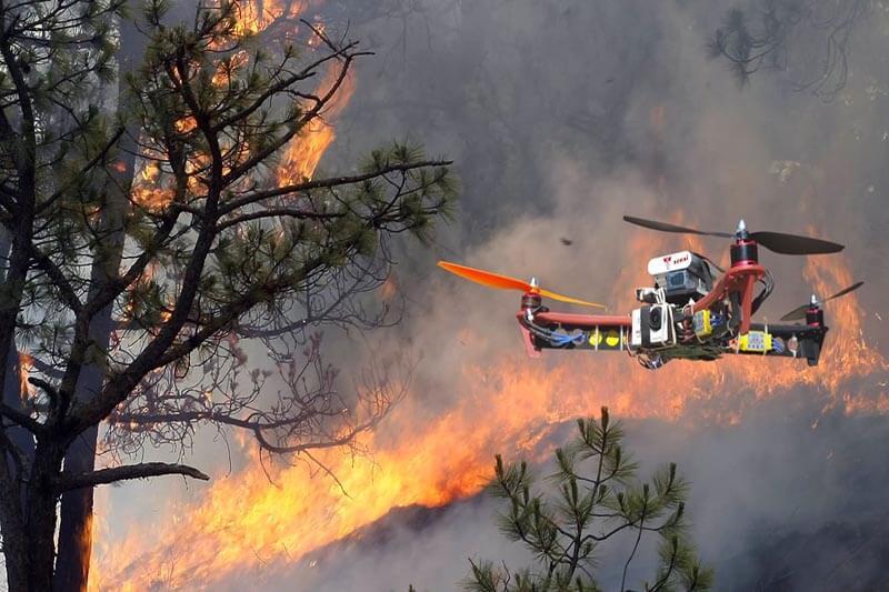 Drones combaten incendios