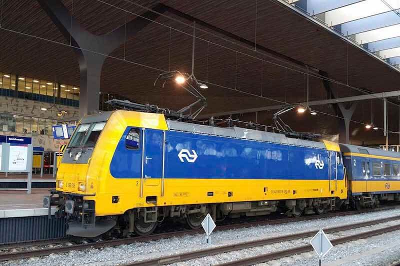 Tren Holanda