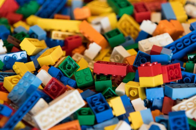 LEGO investigación materiales sustentables