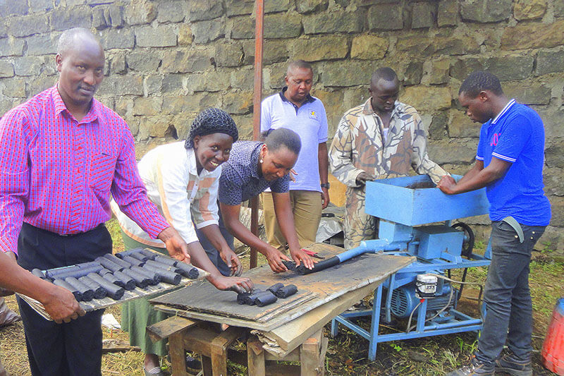 Nakuru, briquetas de heces