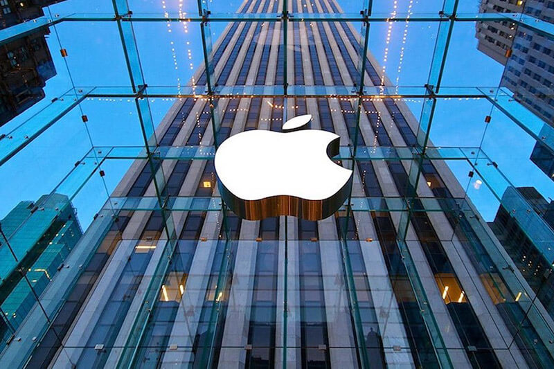 Apple compra un bono verde de mil millones de dólares para inversión en energía renovable.