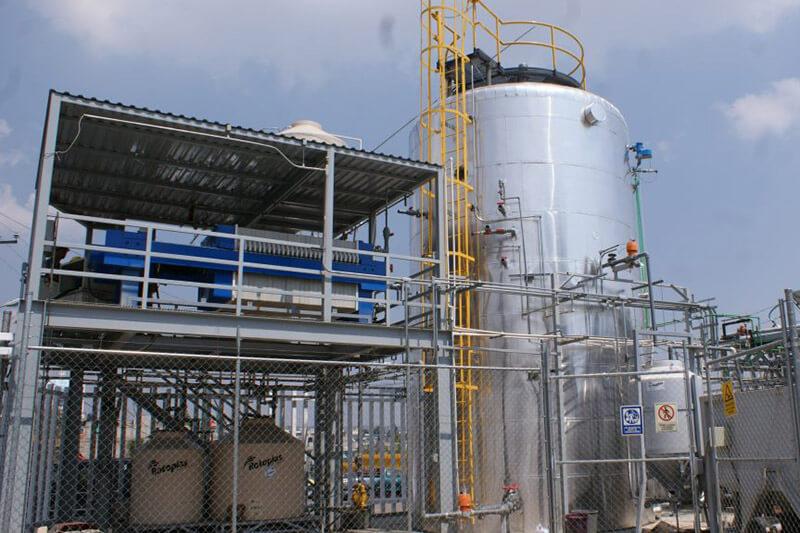 Inauguran primer biodigestor en México para generar energía limpia y tratar residuos.