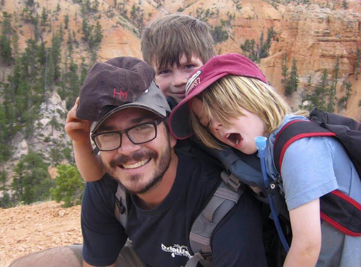 Peter Kalmus y su familia consumen solo una décima parte de los combustibles fósiles utilizados en general.