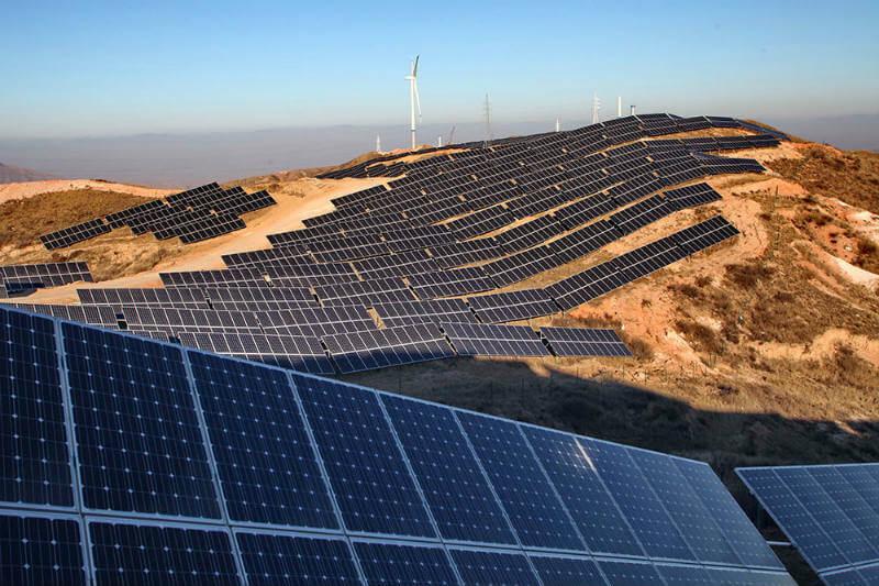 La AIE comenta que es necesario definir el mejor método para lograr una transición energética sostenible y China está trabajando en eso.