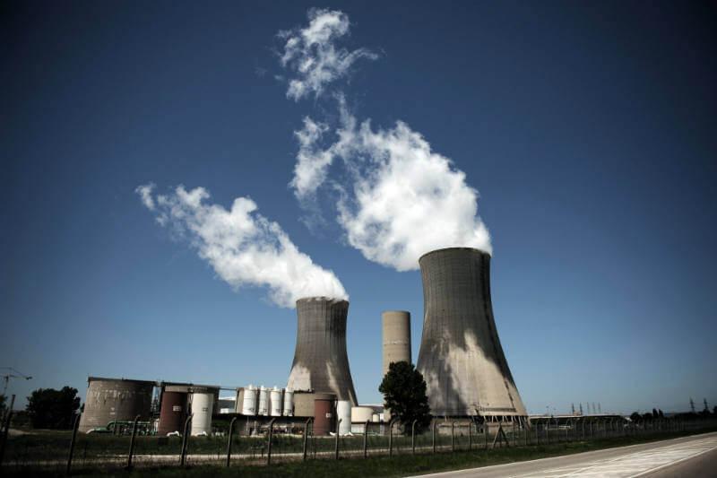 Gobiernos deben ampliar inversiones de energía renovable para reemplazar a las plantas nucleares y cumplir con las metas de descarbonización.