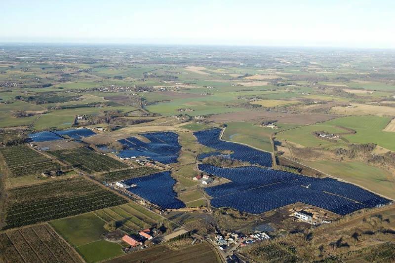 Gracias a su nueva planta solar, Dinamarca está a punto de cumplir su objetivo de ya no depender del carbón y del petróleo.
