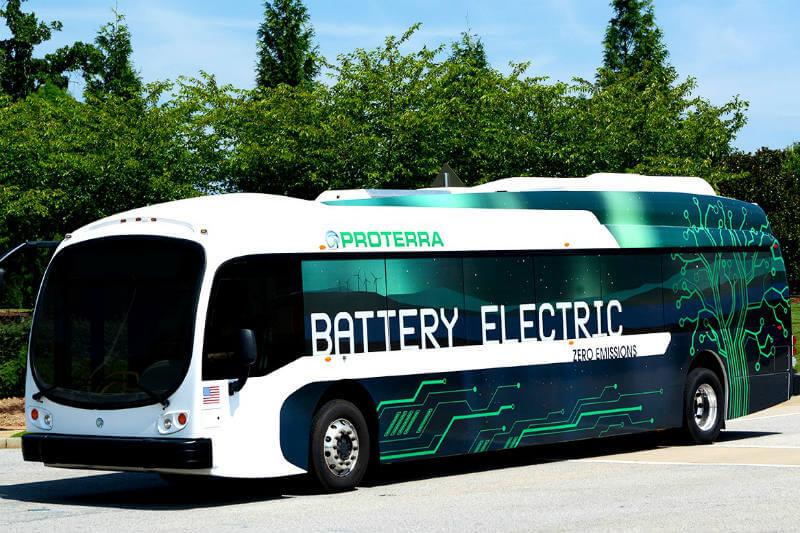 La fábrica Proterra, en California, será capaz de producir 400 buses al año, los cuales abarcarán toda la costa oeste.