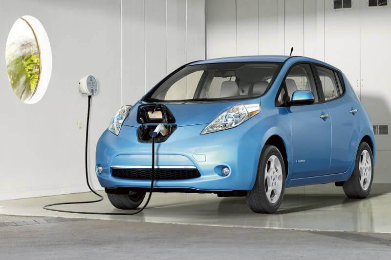 La capacidad de fabricación de baterías eléctricas se triplicará en los próximos cuatro años y por ende serán más baratos.