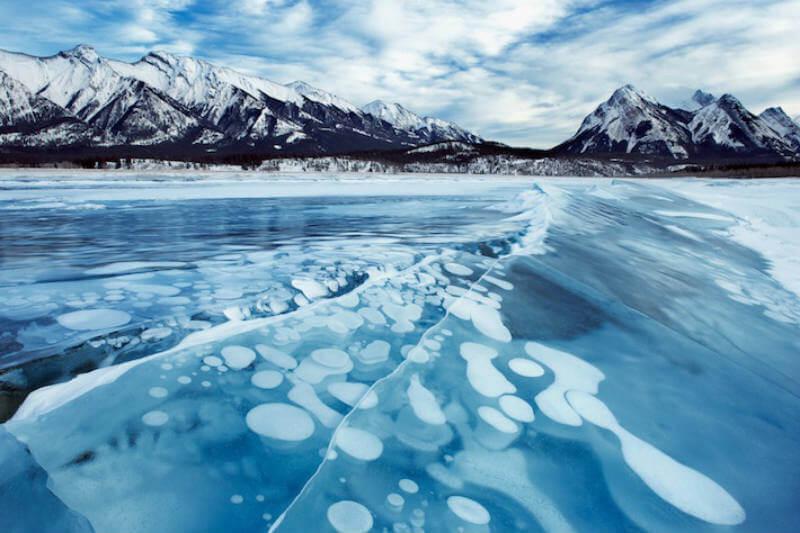 Científicos estudian cuánto metano está llegando a la superficie del Valle Mackenzie en Canadá, ya que su aumento resulta peligroso.