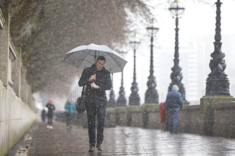 Meteorólogos encontraron un 34% de probabilidad de que se registren precipitaciones mensuales que provoquen inundaciones en el Reino Unido.
