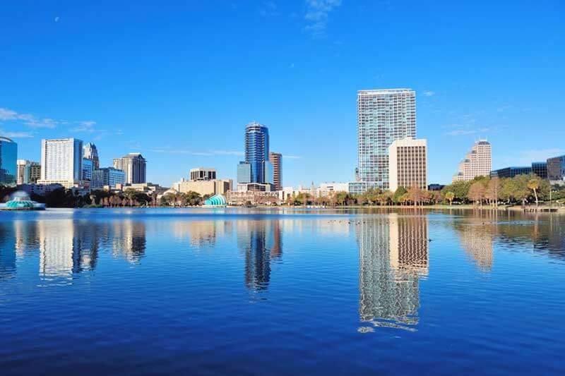 La ciudad de Orlando se compromete a usar 100% energía renovable