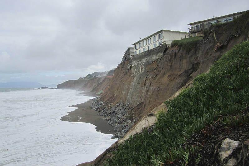 Los condados de San Mateo, Marin y San Diego han presentado denuncias contra 37 compañías, incluyendo Shell, Chevron y Exxon.