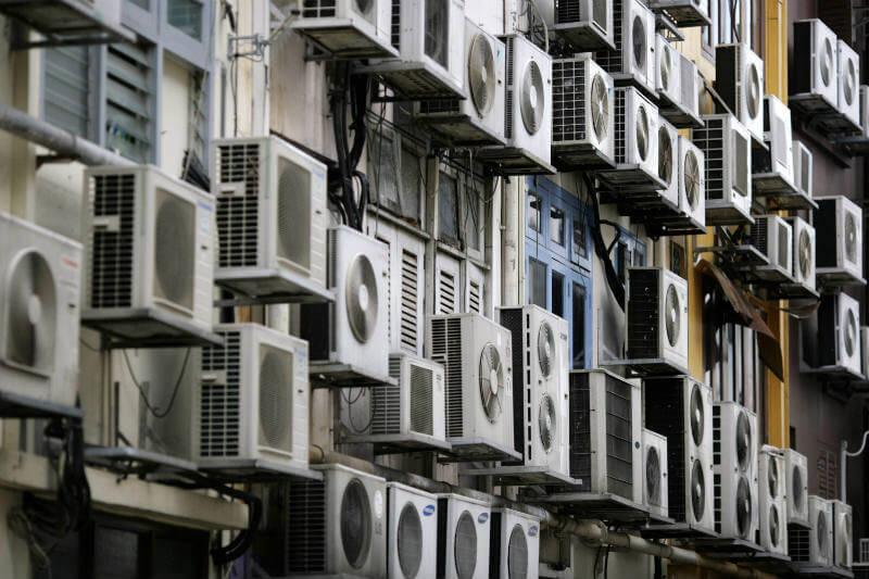 Si no se controlan las emisiones de CO2 por la demanda eléctrica, para el 2100 la temperatura aumentaría hasta 6° en verano.