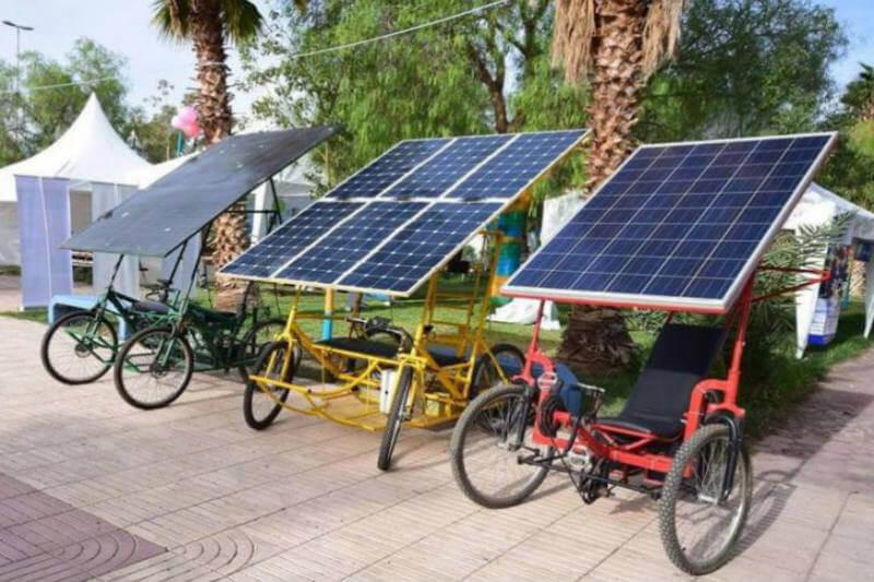 Esta bicicleta tiene la capacidad de recorrer 40 kilómetros, llevar 3 personas y cargar un equipaje de hasta 660 libras.