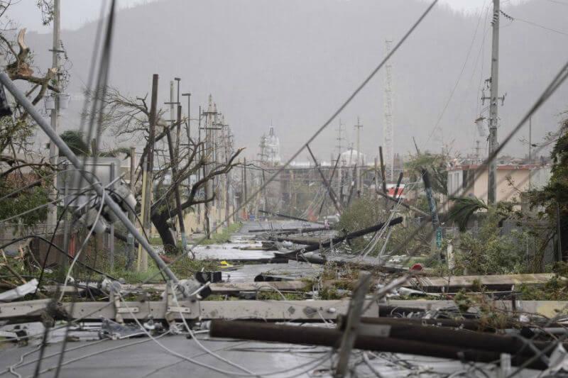 Puertorriqueños temen por su futuro, no tienen comida, no hay red eléctrica y tampoco gasolina.