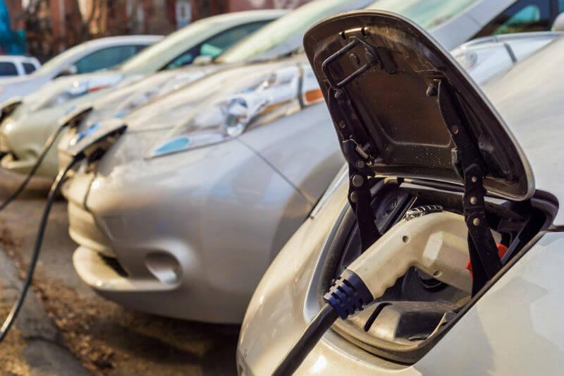 Según la tendencia, al cierre de este año, podrían ser 28,400 barriles de gasolina ahorrados al día gracias a su uso.