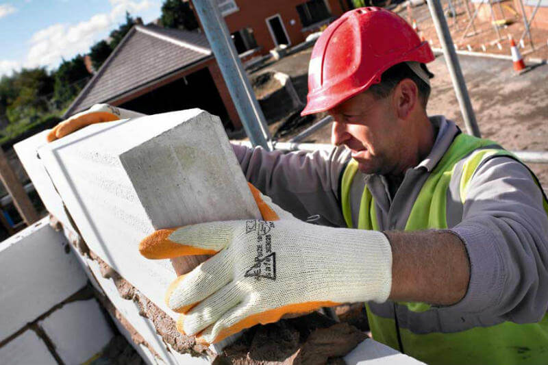 Iniciativa australiana convierte el gas en carbonatos sólidos con el objetivo de producir materiales de construcción en escala comercial.
