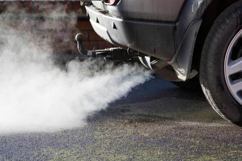 La primera ministra de Escocia, Nicola Sturgeon, declaró que el país pondrá fin a la venta de nuevos vehículos de gasolina y diésel para 2032.