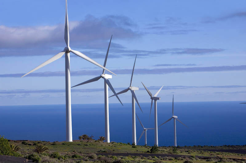 Informe destaca que al haber disponibilidad de financiamiento privado, se lograrán desarrollar más proyectos de energía renovable.