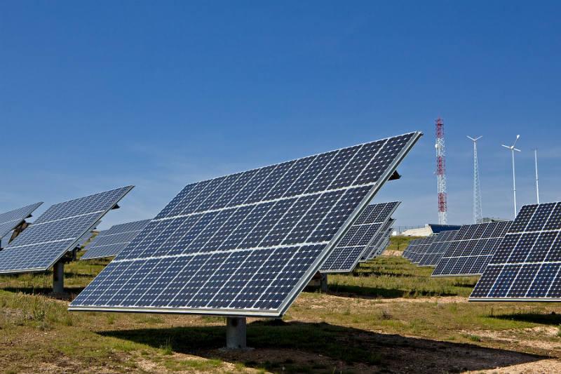Con el apoyo de la compañía General Electric, en tres años se podrá almacenar energía eléctrica por el uso de baterías de ion-litio.