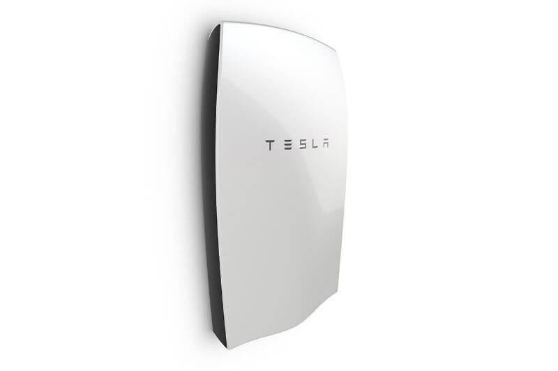 En un esfuerzo para restaurar la energía eléctrica de la isla, la compañía ha enviado sistemas de baterías Powerwall.