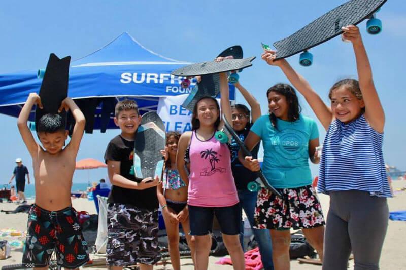 Con la iniciativa 'Net Positiva', Bureo ha logrado reciclar miles de redes de pesca y convertirlas en patinetas, evitando así la contaminación de los océanos.