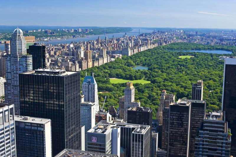 El gobierno municipal presentó plan que obligará a los 14,500 edificios más sucios a actualizarse a estándares más eficientes en energía.