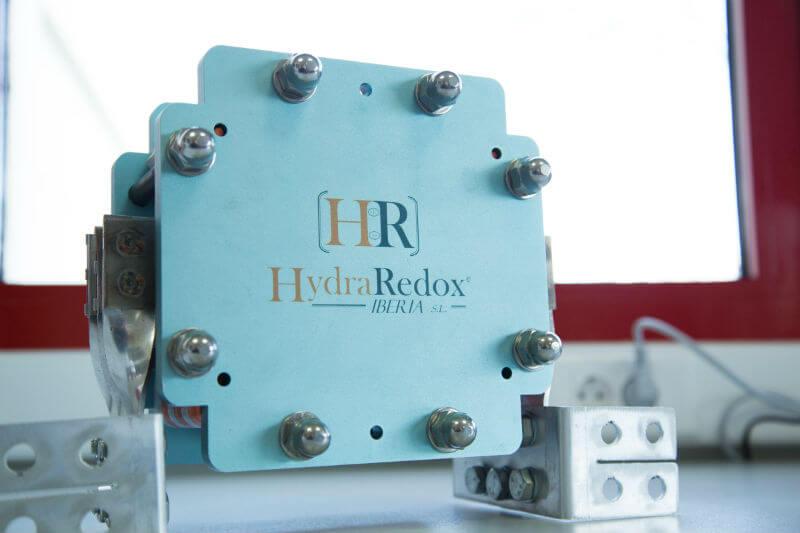 El nuevo diseño de HydraRedox reduce los costes de inversión y operación, lo que la convierte en una solución de almacenamiento definitiva.