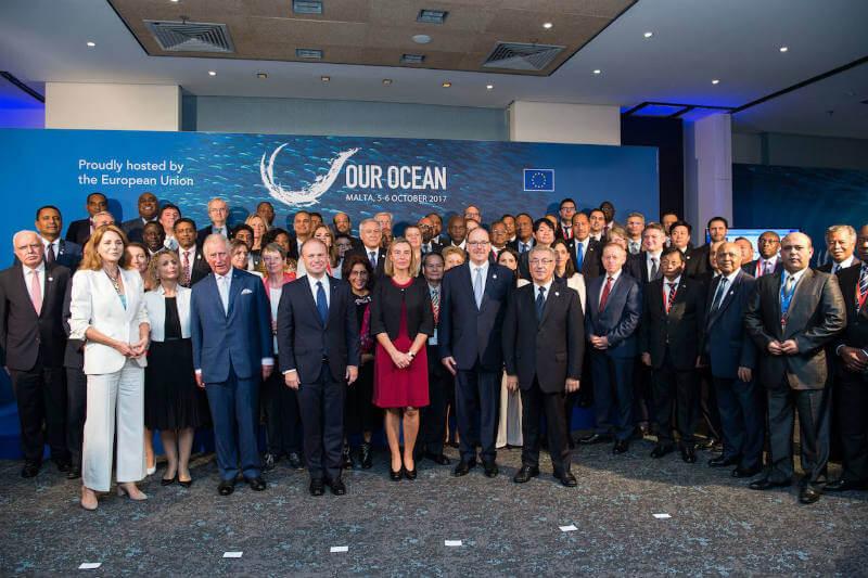 En la conferencia Our Ocean, empresas como PepsiCo, Procter & Gamble y Unilever se comprometieron para reducir la contaminación plástica marina.