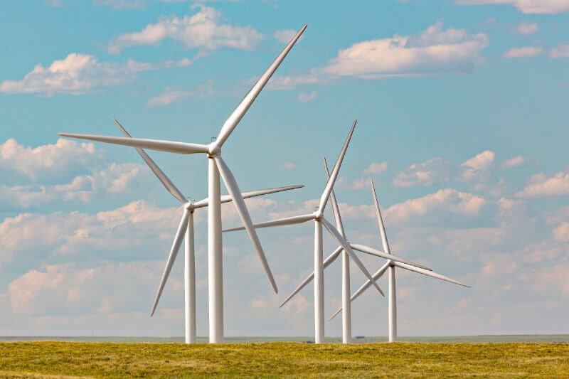 El país está buscando exportar energía limpia a sus vecinos China y Rusia para alcanzar sus objetivos renovables e impulsar su economía.