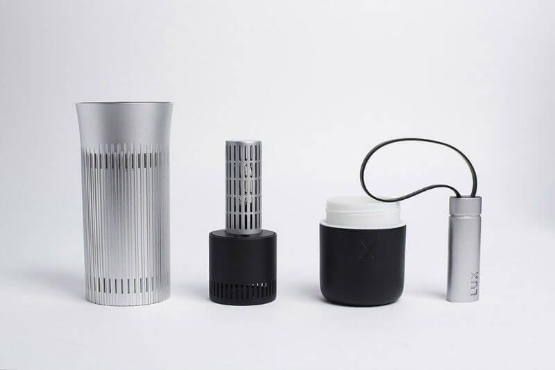 El nuevo sistema de depuración LUX utiliza tecnología de vanguardia para eliminar contaminantes del aire desde el interior de tu auto.