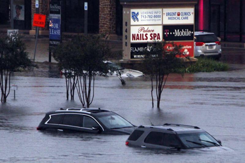 Después de meses de sufrir eventos climáticos extremos, una encuesta encuentra un número récord de estadounidenses preocupados por el cambio climático.