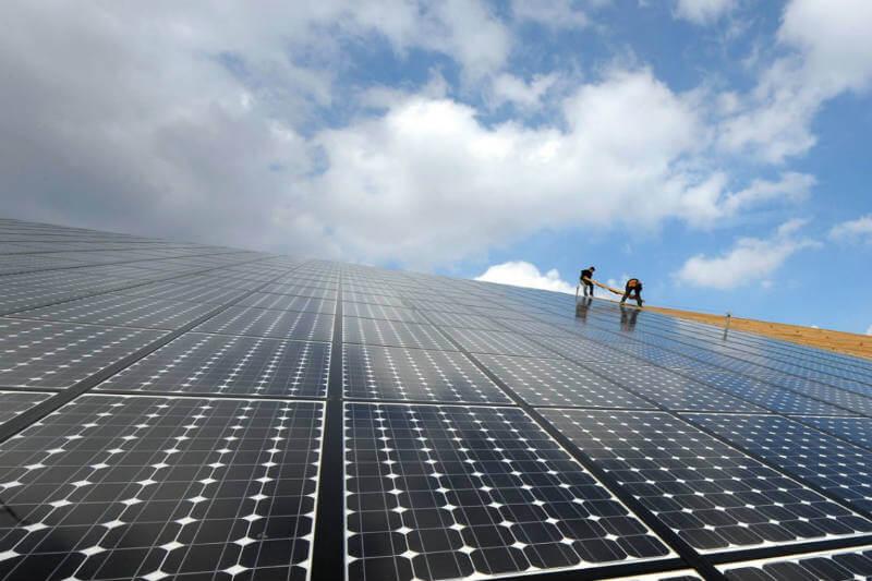El país cuenta con 15 plantas fotovoltaicas que producen 454 megavatios que suplen la demanda de varias zonas.