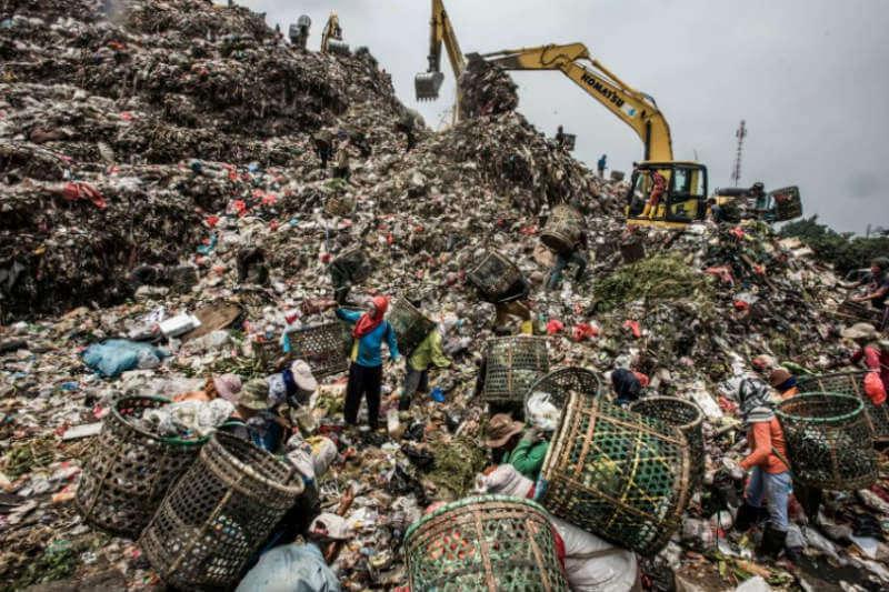 Yakarta, Nueva York, Lagos, Tokio, Sao Paulo y Amsterdan manejan sus residuos de varias formas, pero todos coinciden en una cosa, el exceso de basura aumenta.