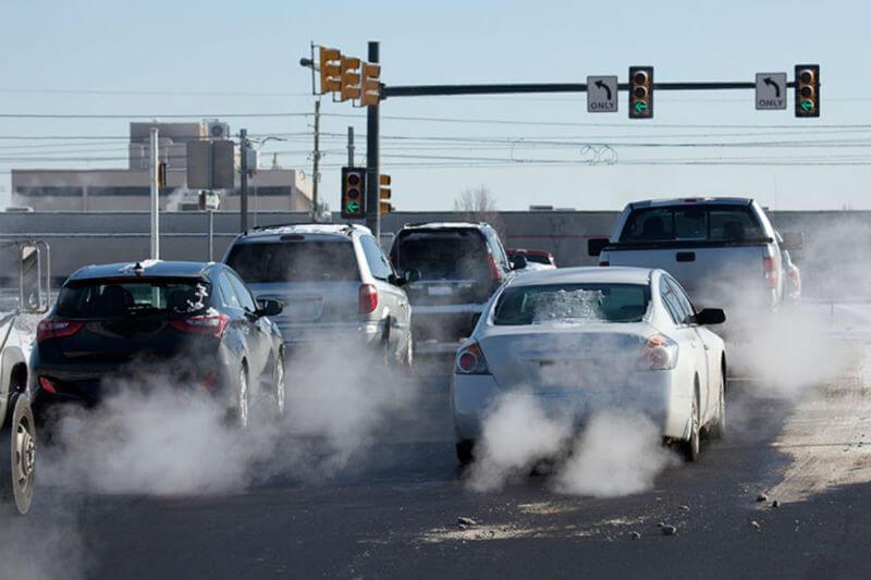 Las emisiones de dióxido de carbono del transporte exceden las de la producción de electricidad en 2016 por primera vez desde 1978.
