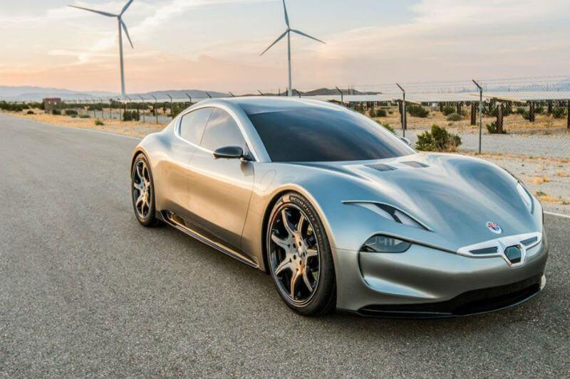 El fabricante de vehículos patentó recientemente una batería que brinda 800 kilómetros de autonomía y que se carga en un minuto.