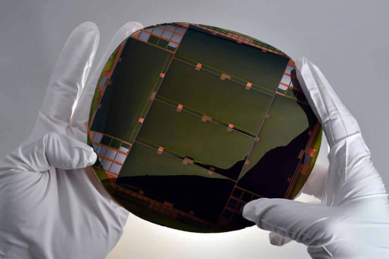 La empresa MicroLink Devices comercializará las células solares más eficientes del mundo, que podría ofrecer una potencia superior a los 3,000 W/kg.
