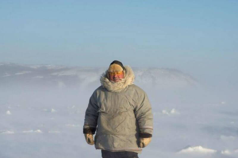 El cambio climático no solo está haciendo que el hielo se desvanezca, también está afectando la salud mental de la comunidad.