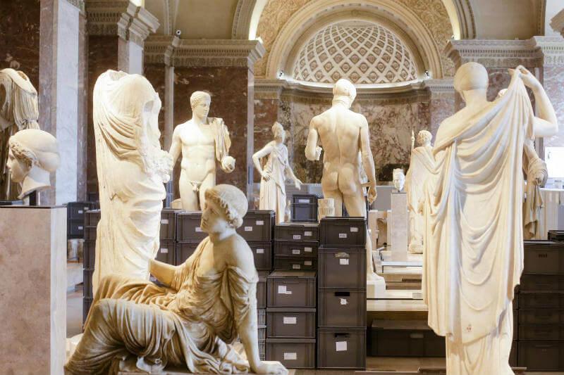 La mayor frecuencia de inundaciones, olas de calor y huracanes pone en peligro tesoros de grandes museos del mundo.