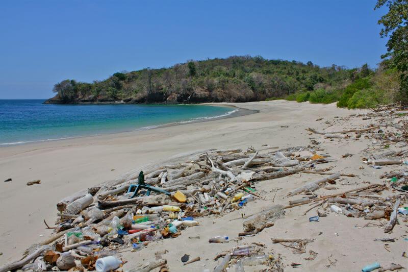 La empresa apoya el objetivo de la iniciativa NextWave, que es industrializar el uso del plástico marino al recogerlo antes que llegue al mar y reciclarlo.