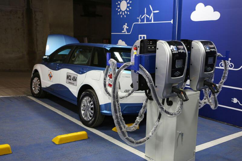 Se espera que los 1,500 vehículos eléctricos reemplacen en un plazo de tres años a taxis de más de 10 años de antigüedad.