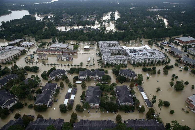 Informe muestra que las precipitaciones extremas y la temporada de incendios forestales contribuyeron a romper el récord anterior en más de $90 mil millones.