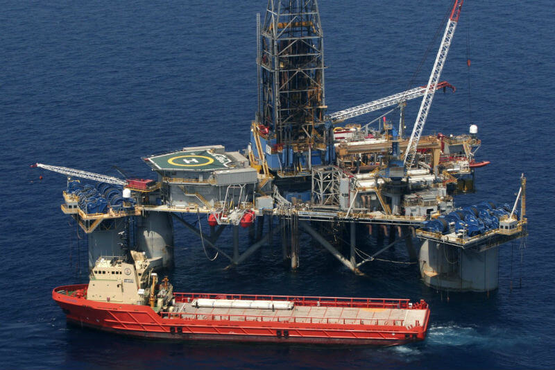 El Departamento del Interior anunció una propuesta que permitiría la exploración petrolera en casi todas las aguas cercanas a las costas del país.