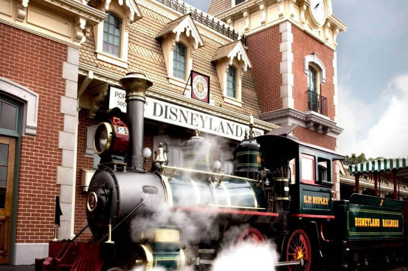 En el fórum Wasteinprogress, representantes de Integración Medioambiental Disneyland mostraron que el aceite de freír patatas se utiliza también como biodiésel.