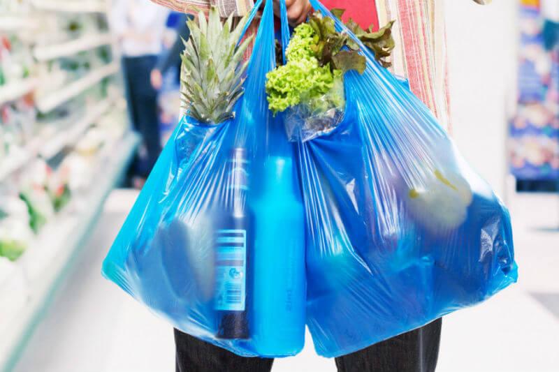 El Gobierno aprobó la Ley 1 de 19 de enero de 2018 que adopta medidas para promover el uso de bolsas reutilizables en establecimientos comerciales.